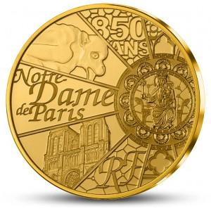 Věhlasná katedrála Notre Dame v Paříži na atraktivní zlaté minci