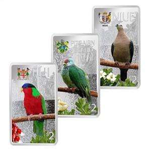 Fascinujicí pestrobarevní ptáci z Tichomoří - atraktivní stříbrná sada