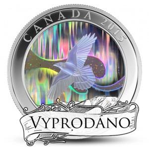Fascinující polární záře s letícím havranem - atraktivní stříbrná mince s hologramem