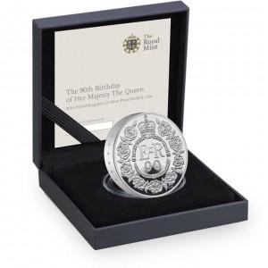 Královna Alžběta II. 90. výročí narození  na atraktivní stříbné mince (Piedfort )