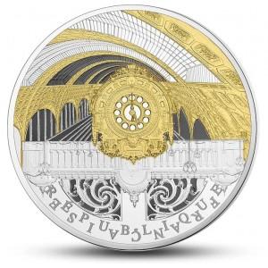 Věhlasný Malý palác (Petit Palais) v Paříži na atraktivní stříbrné minci