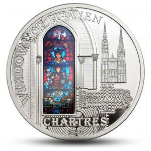 """Katedrála Notre-Dame v Chartres  -atraktivní stříbrná mince z populární série """"Nebeská okna"""""""