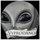 70. výročí nejznámějšího UFO incidentu v Roswellu - oči mimozemštana zářicí ve tmě