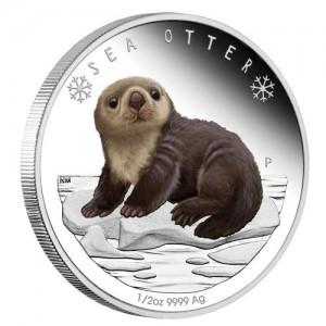 Mládě vydry mořské na atraktivní stříbrné minci
