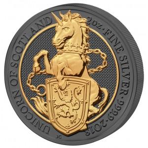 Královský jednorožec s erbovním štítem – symbol Skotska na stříbrné mincí zušlechtěné černým rutheniem a ryzím zlatem