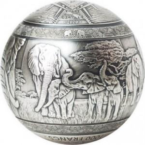 Slonové v Africe - fascinující fauna - exkluzivní stříbrná mince sférického tvaru